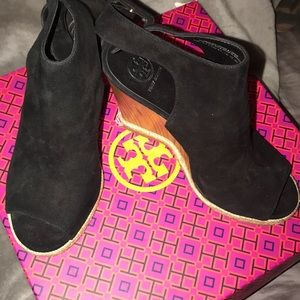 Tory Burch Shoes - Tory Burch Raya wedge